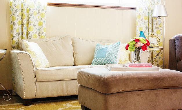 Новая жизнь старого дивана: 7 идей для обновления