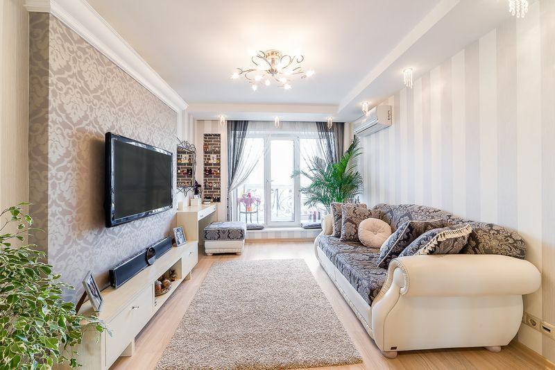 Оформление гостиной пол и потолок