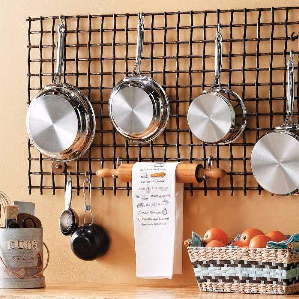 Лучшие идеи- как обновить кухню своими руками сетка на кухонной стене