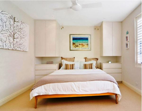 интерьер спальни в маленькой комнате фото