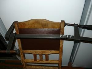 Фиксация задней спинки в сборе на клею