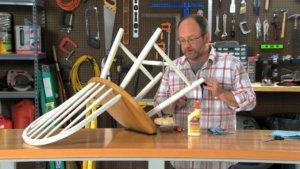чем склеить деревянный стул
