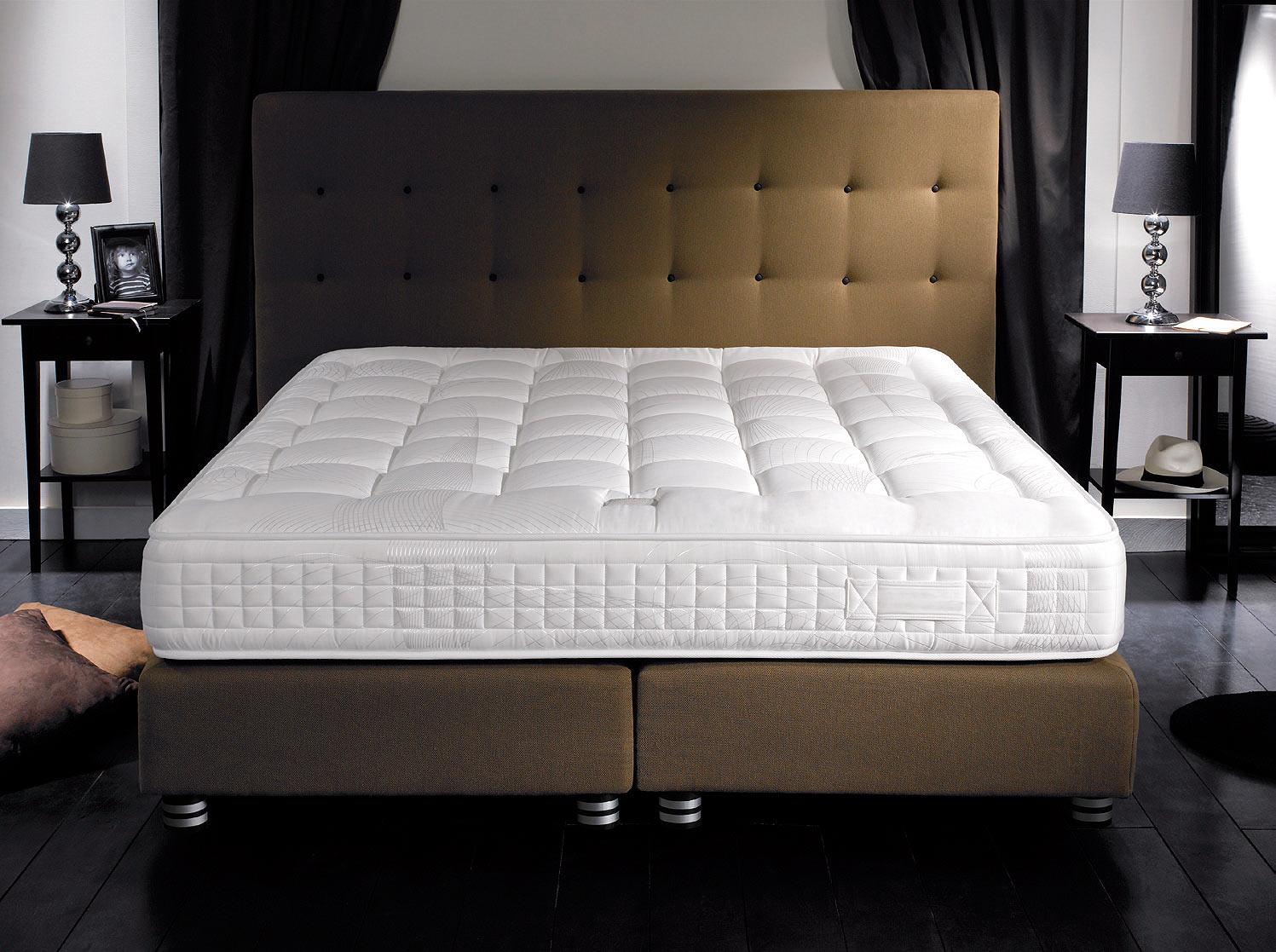 Матрас на двуспальную кровать, что это такое и зачем он нужен