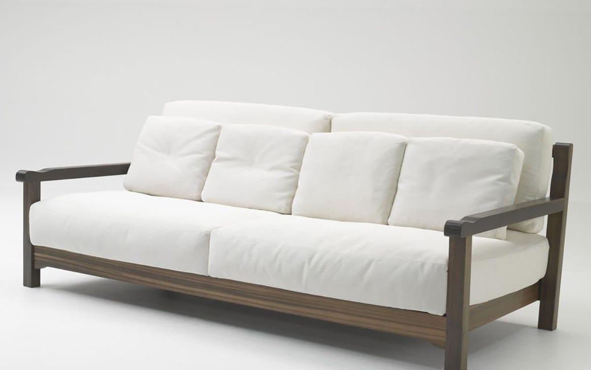 Скрипит деревянный диван