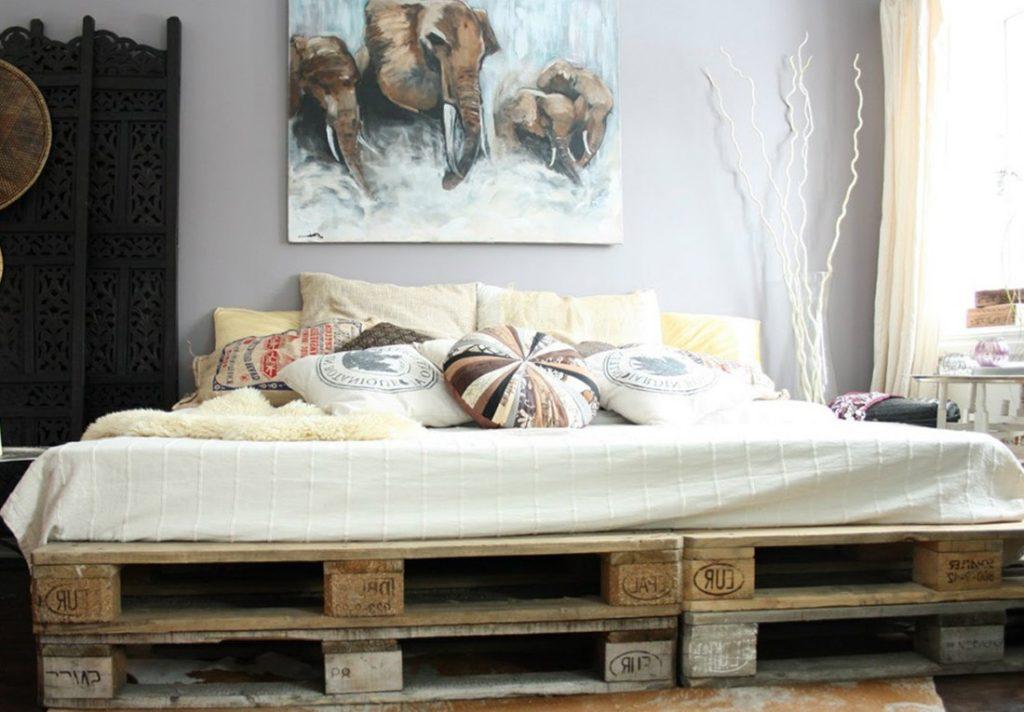 Кровать из поддонов двухспальная высота два поддона