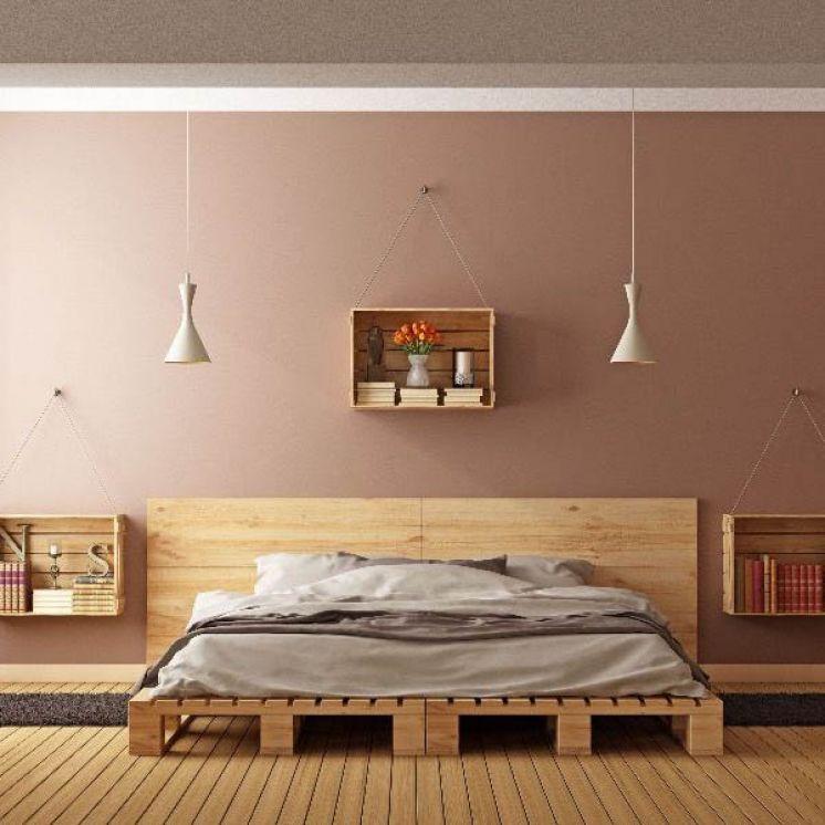 Кровать из поддонов двухспальная низко
