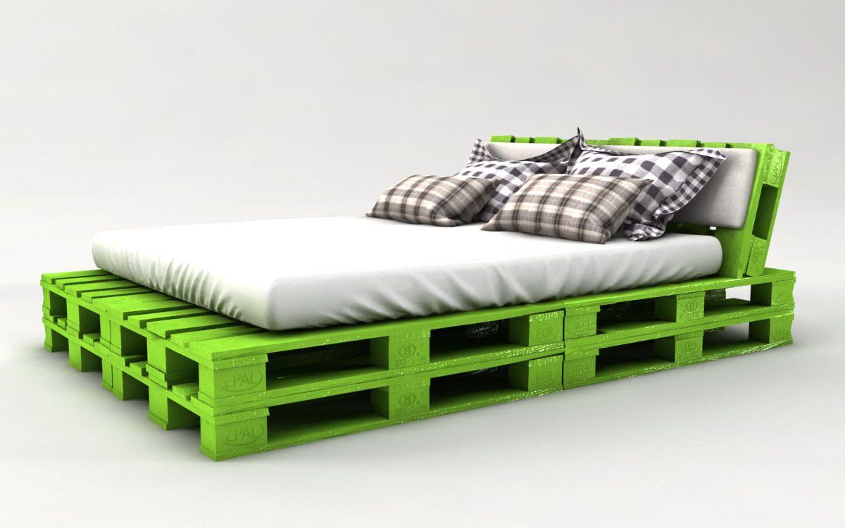Кровать из поддонов двухспальная зеленая