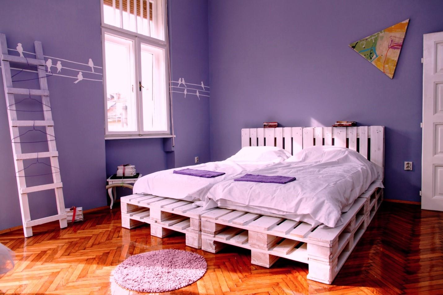 Кровать из поддонов двухспальная на пракете