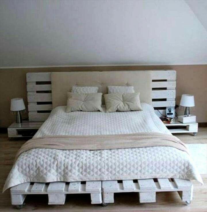 Кровать из поддонов двухспальная белая со спиой и лампами