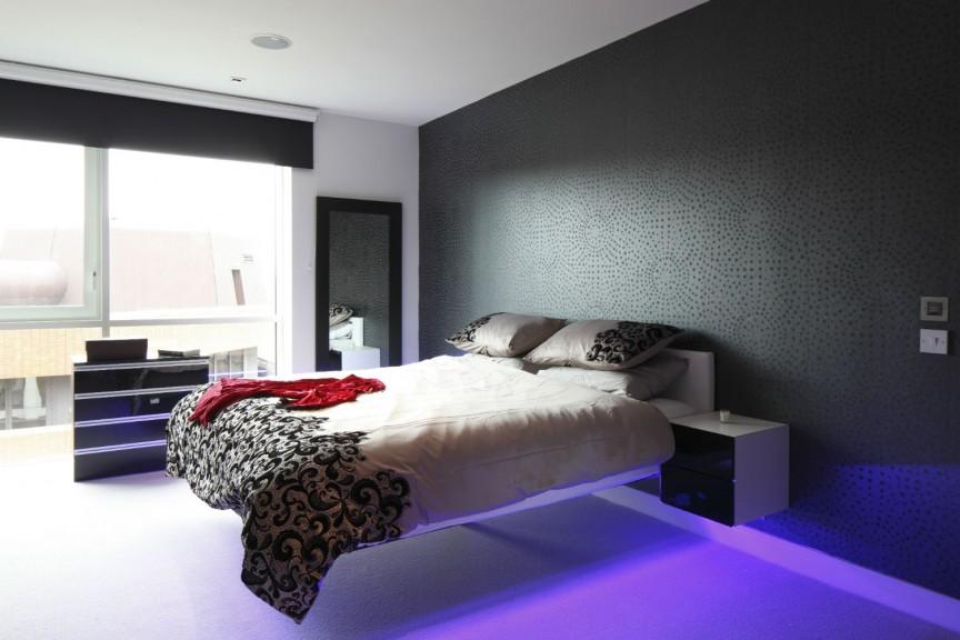Парящая кровать, варианты на фото