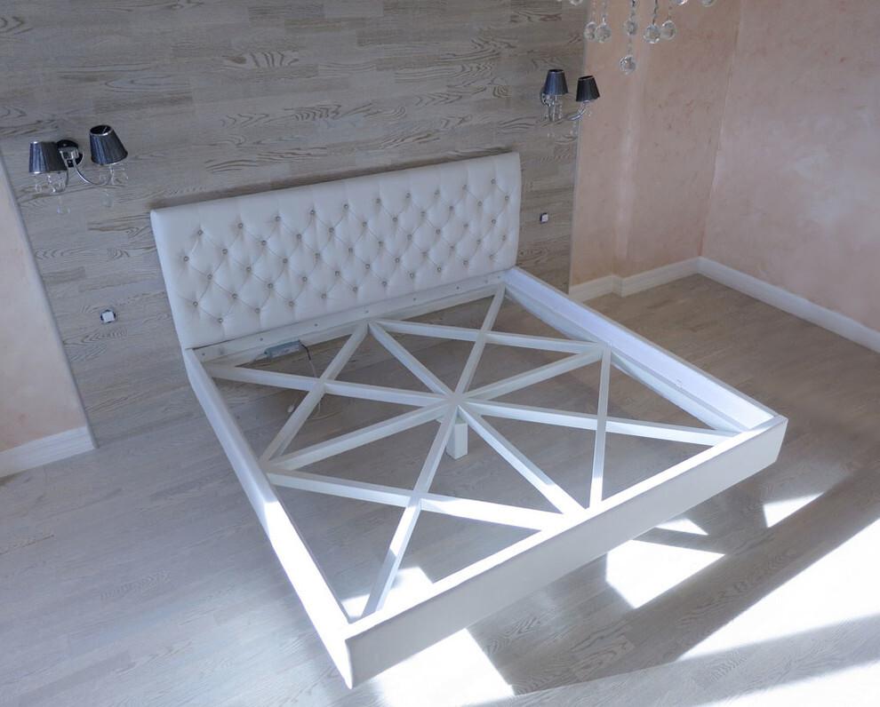 Парящая кровать с центральной точкой опоры
