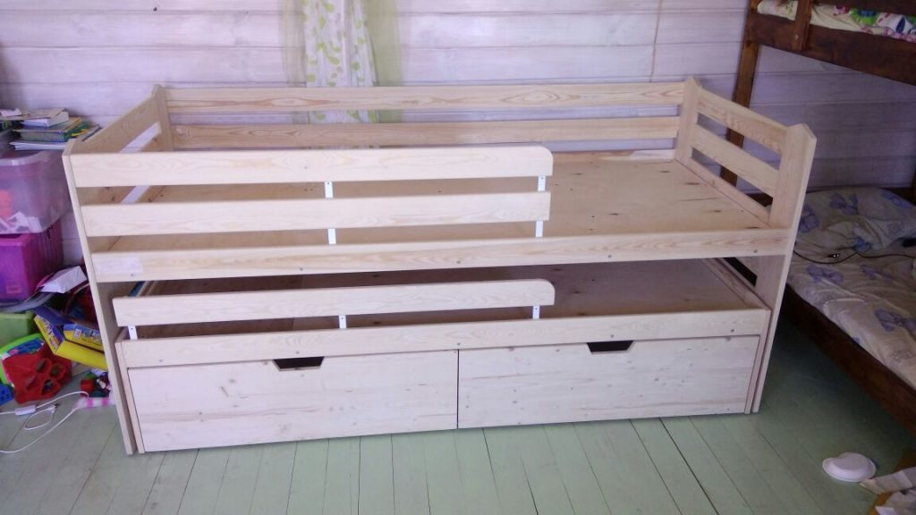 Фото Детская кровать с ящиками