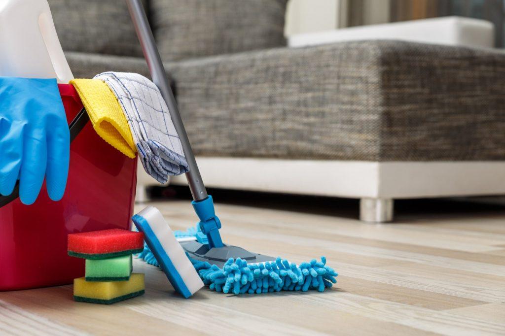 Чистка дивана самостоятельно в домашних условиях