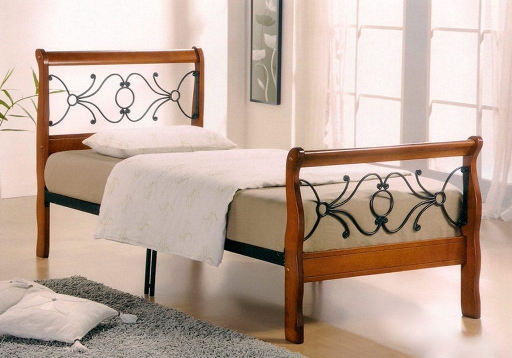 Односпальная кровать для взрослых деревянная
