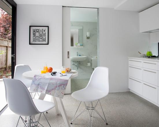 Стол белый для маленькой кухни