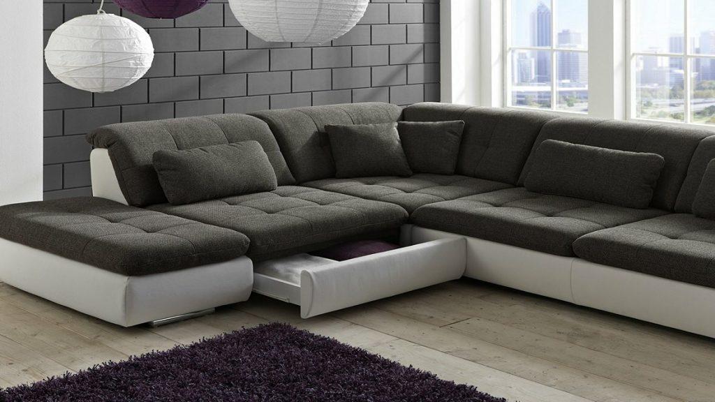 Модульный диван в квартире